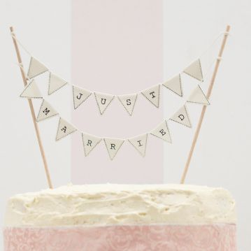 """Just Married"" Mini Ivory Cake bunting"